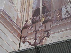 A trompe l'oeil lantern in Paris