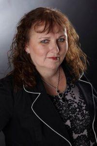 Lynn Cahoon Author pic